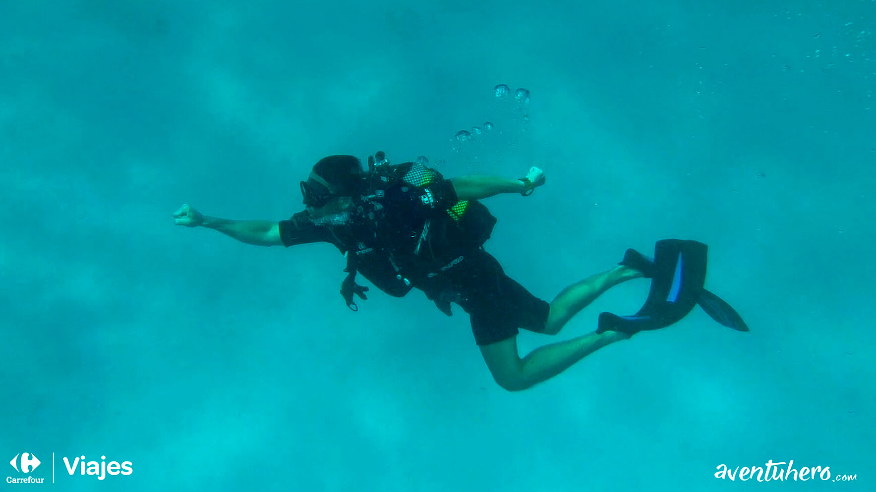 aventuhero buceando en Zanzibar Buceando