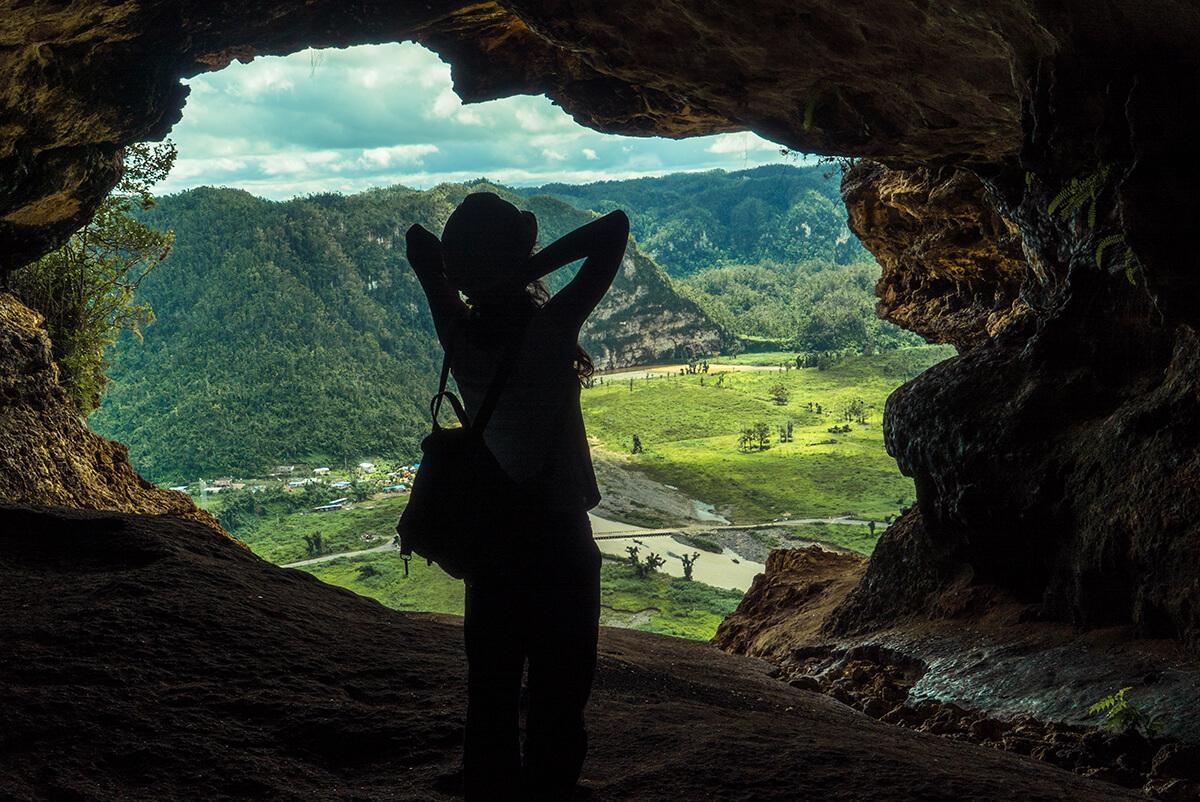 Puerto rico en Familia - Vista de una cueva en Puerto Rico