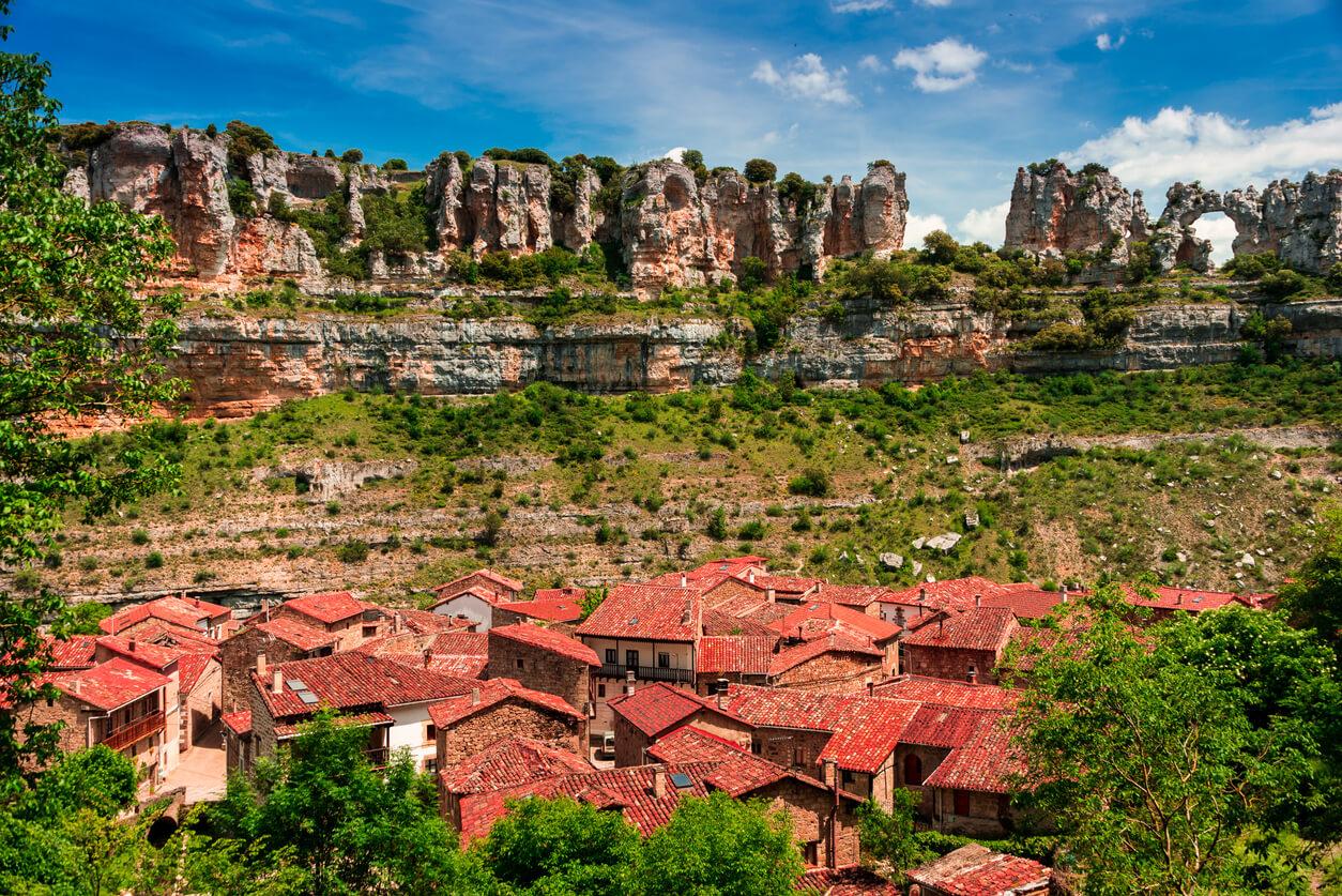 Canyon Ebro river. Orbaneja del Castillo