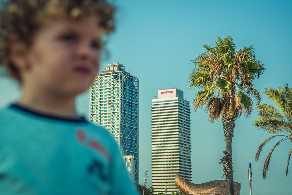 niño en barcelona