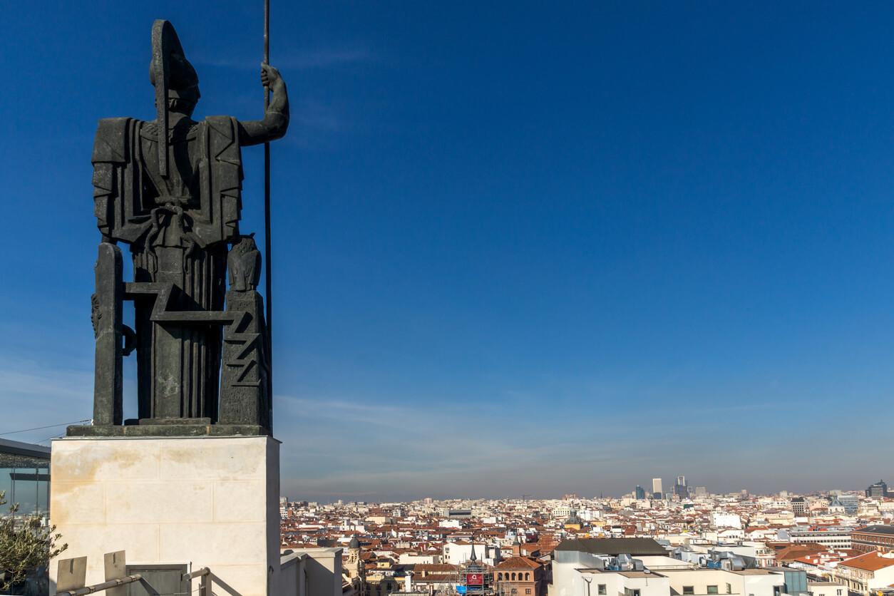 Impresionante vista panorámica de la ciudad de Madrid desde la azotea del Circulo de Bellas Artes, España