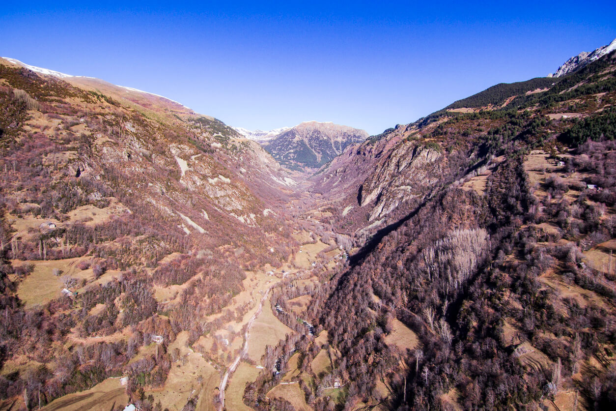 Paisaje aéreo del Valle de Chistau. Huesca, España