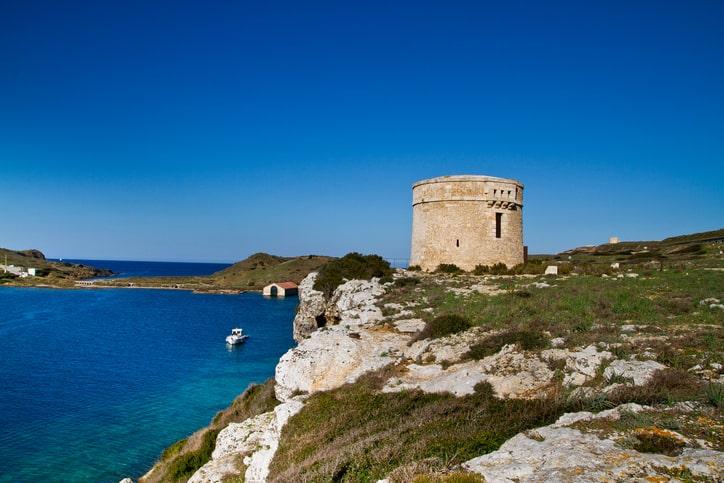 Centinel torre de La Mola fortaleza