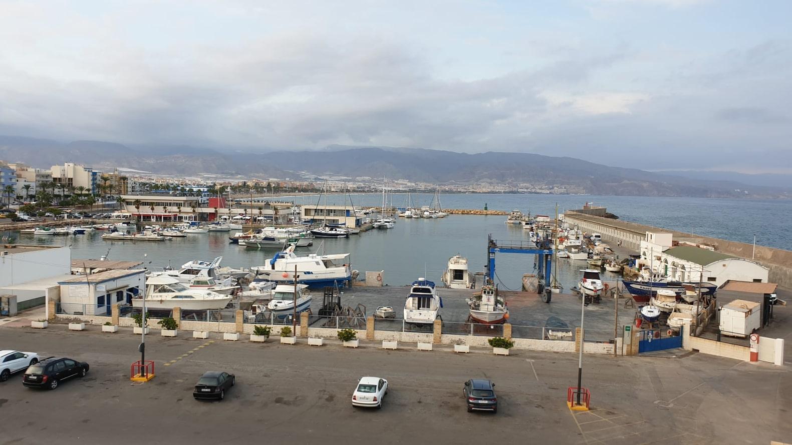 Roquetas de Mar puerto