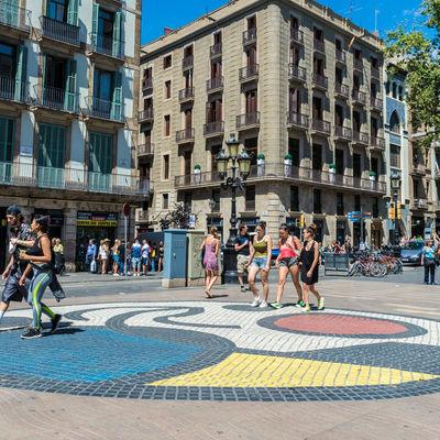 Guía Barcelona, Mosaico Miró