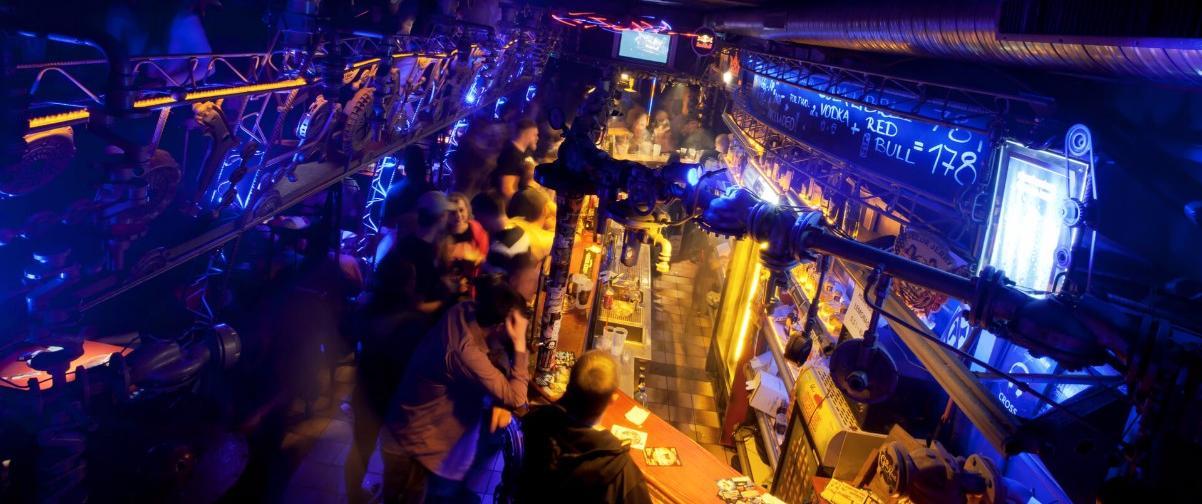 Guía Praga, Club Praga