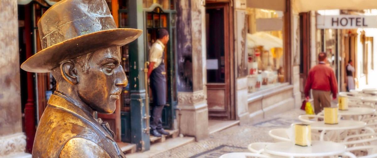 Guía Lisboa, Estatua Fernando Pessoa