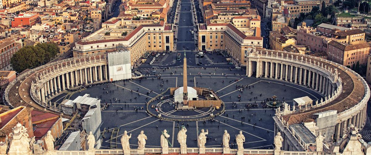 Guía Roma, Plaza San Pedro
