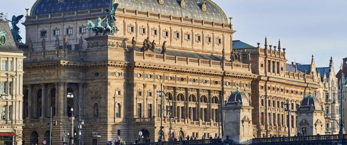 Guía Praga, Teatro Nacional