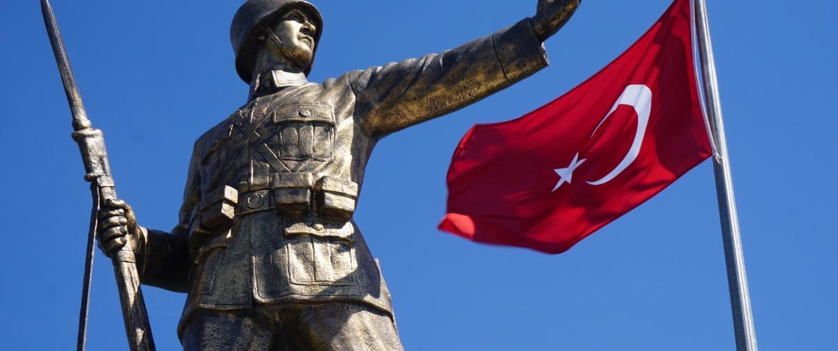Conmemoración República, Guía Estambul