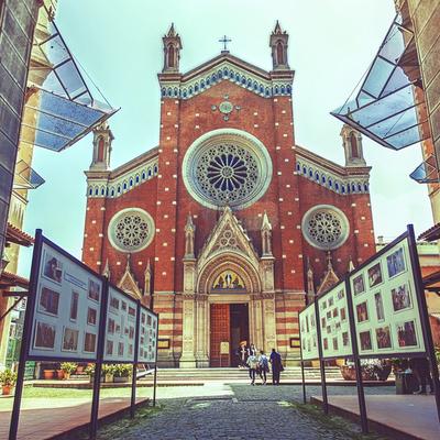 Iglesia de San Antonio de Padua, Guía Estambul