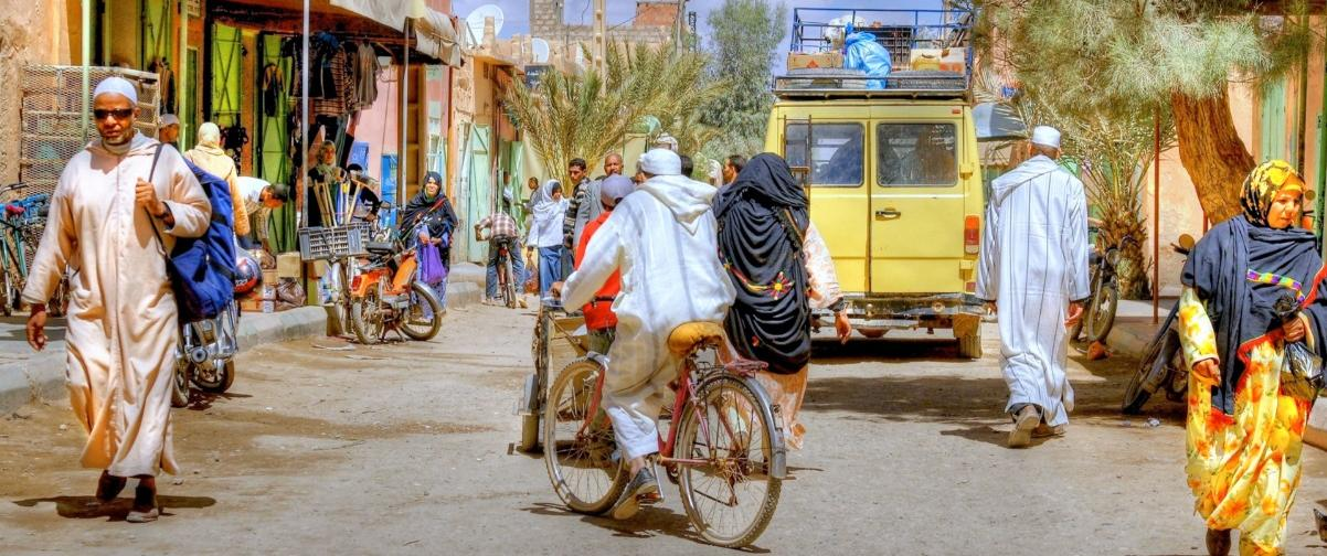 Guía Marrakech, Gente caminando por las calles