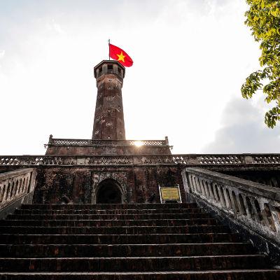 Guía Hanoi, Torre de la bandera