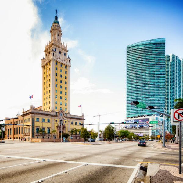 Guía Miami, Torre de la Libertad