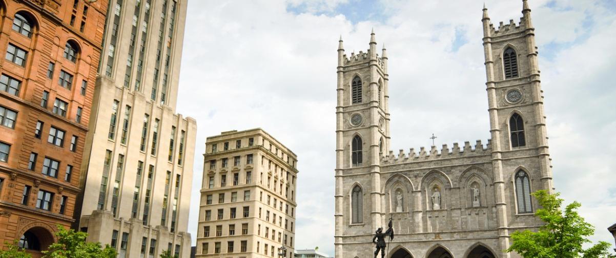Place d'Armes y basílica de Notre-Dame de Montreal