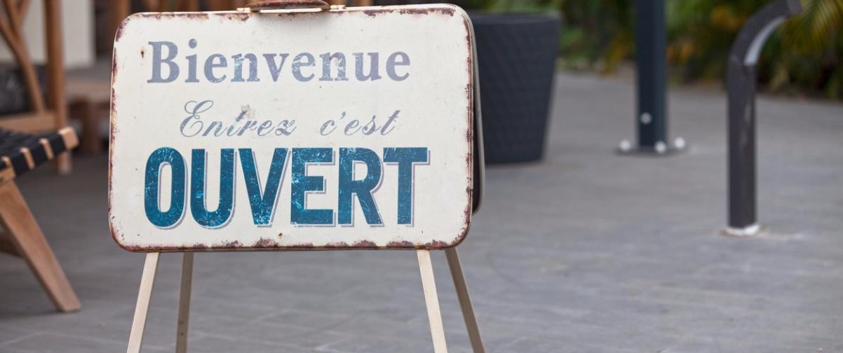 Guía Montreal, Cartel bienvenida en francés
