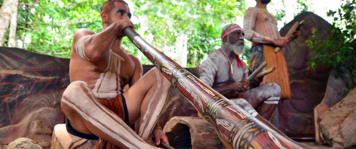 Guía Sídney, Música con Didgeridoo