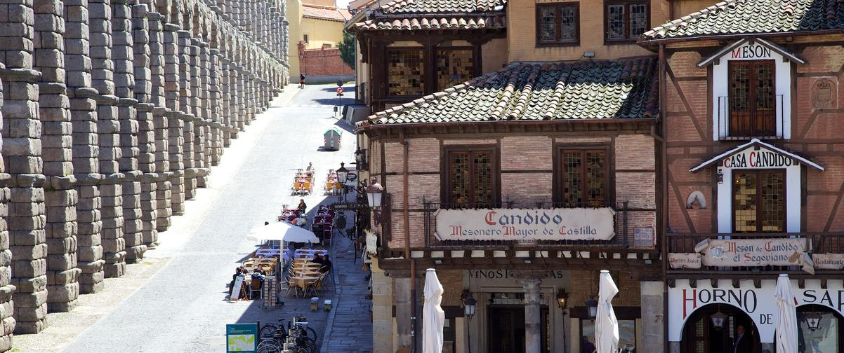 Guía Segovia, Mesón en el centro