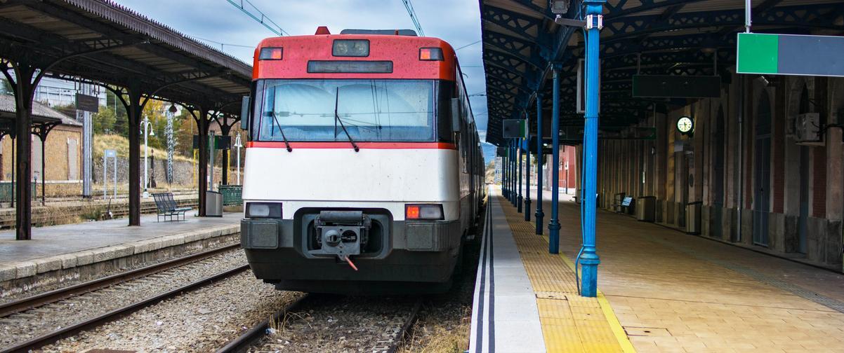 Guía Segovia, Transporte ferroviario