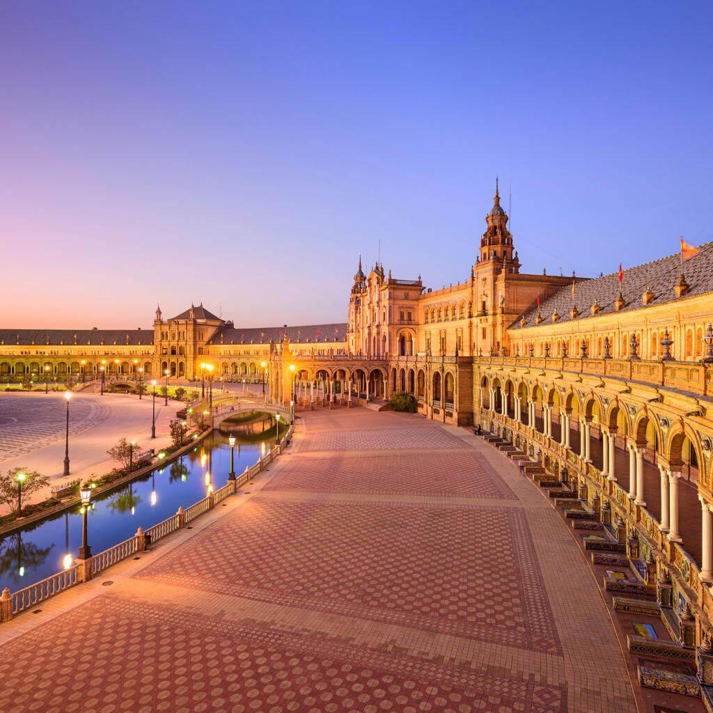 Guía Sevilla, Plaza de España