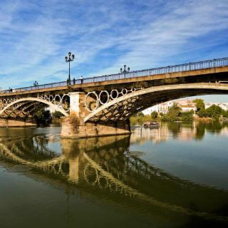 Guía Sevilla, Puente de Triana
