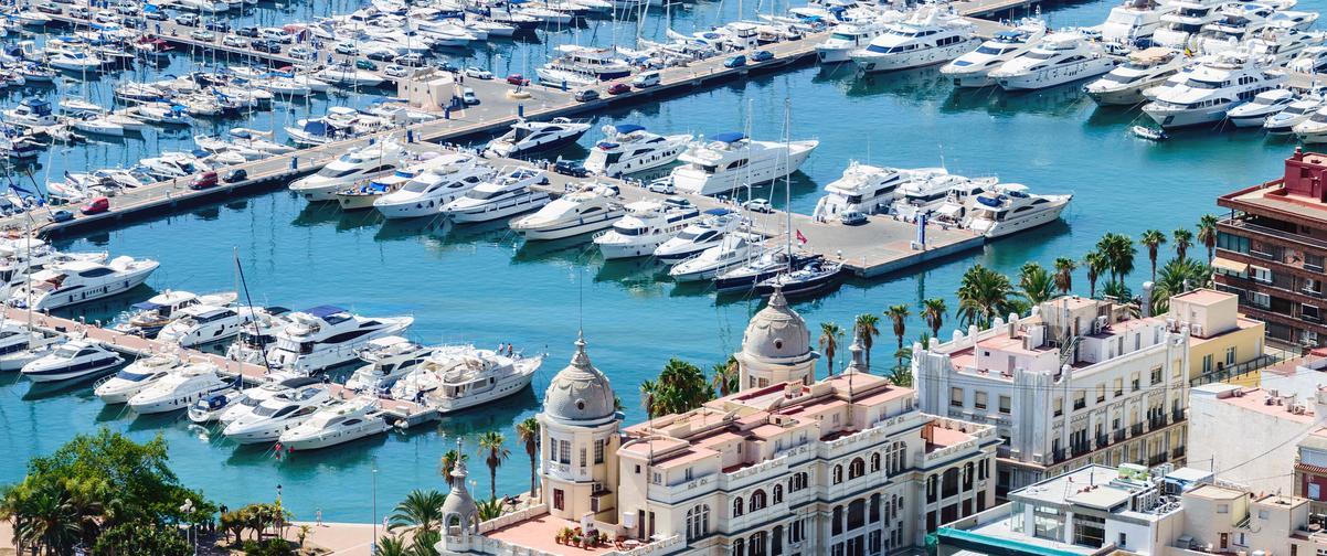 Guía Alicante, Embarcaciones en el puerto