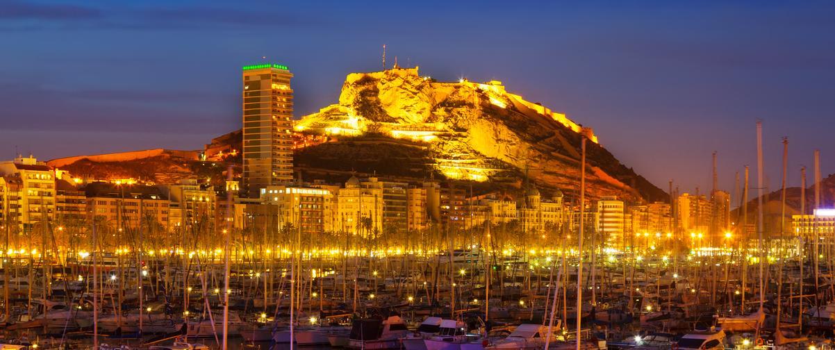Guía Alicante, Vista nocturna del puerto