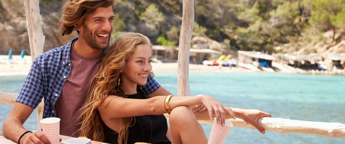 Guía Ibiza, Amigos divirtiéndose