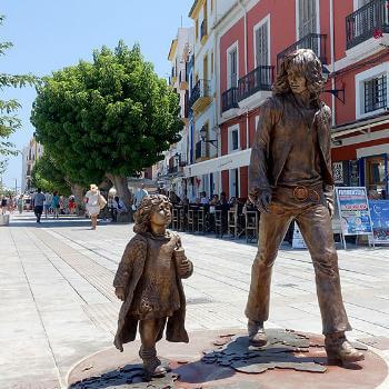 Guía Ibiza, Monumento a los hippies