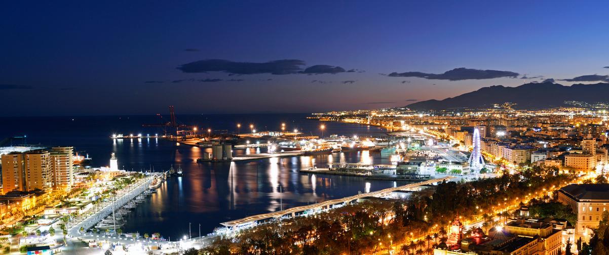Guía Málaga, Puerto Vista nocturna