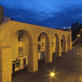 Guía Oviedo, Acueducto de los pilares