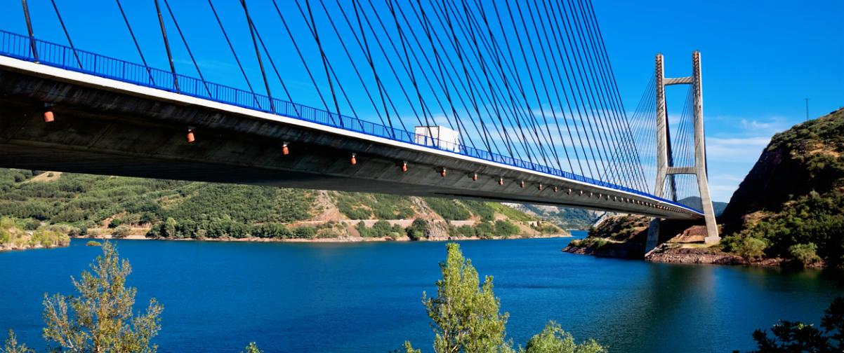 Guía Oviedo, Puente sobre el río Luna