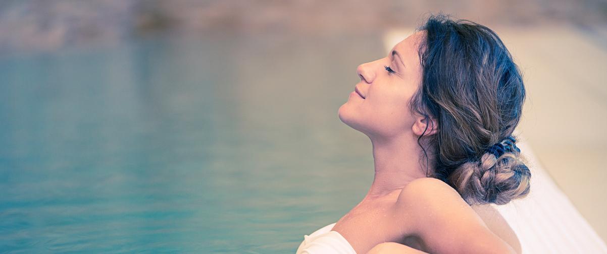 Guía Ibiza, Mujer relajada en spa