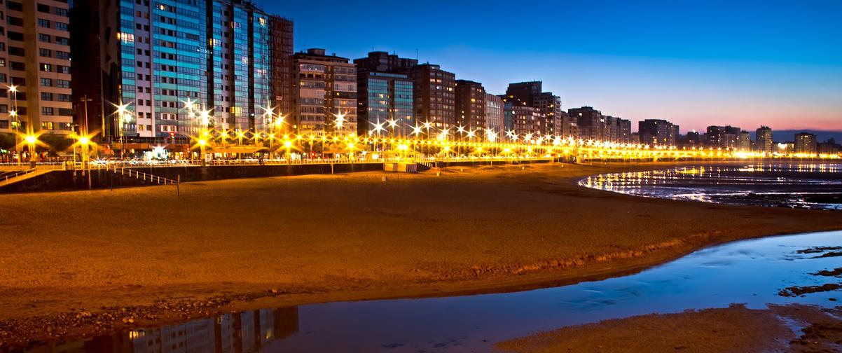Guía Gijón, Vista de noche